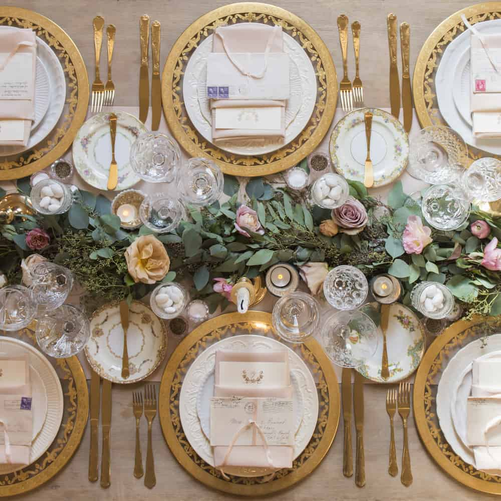 all gold tablescape