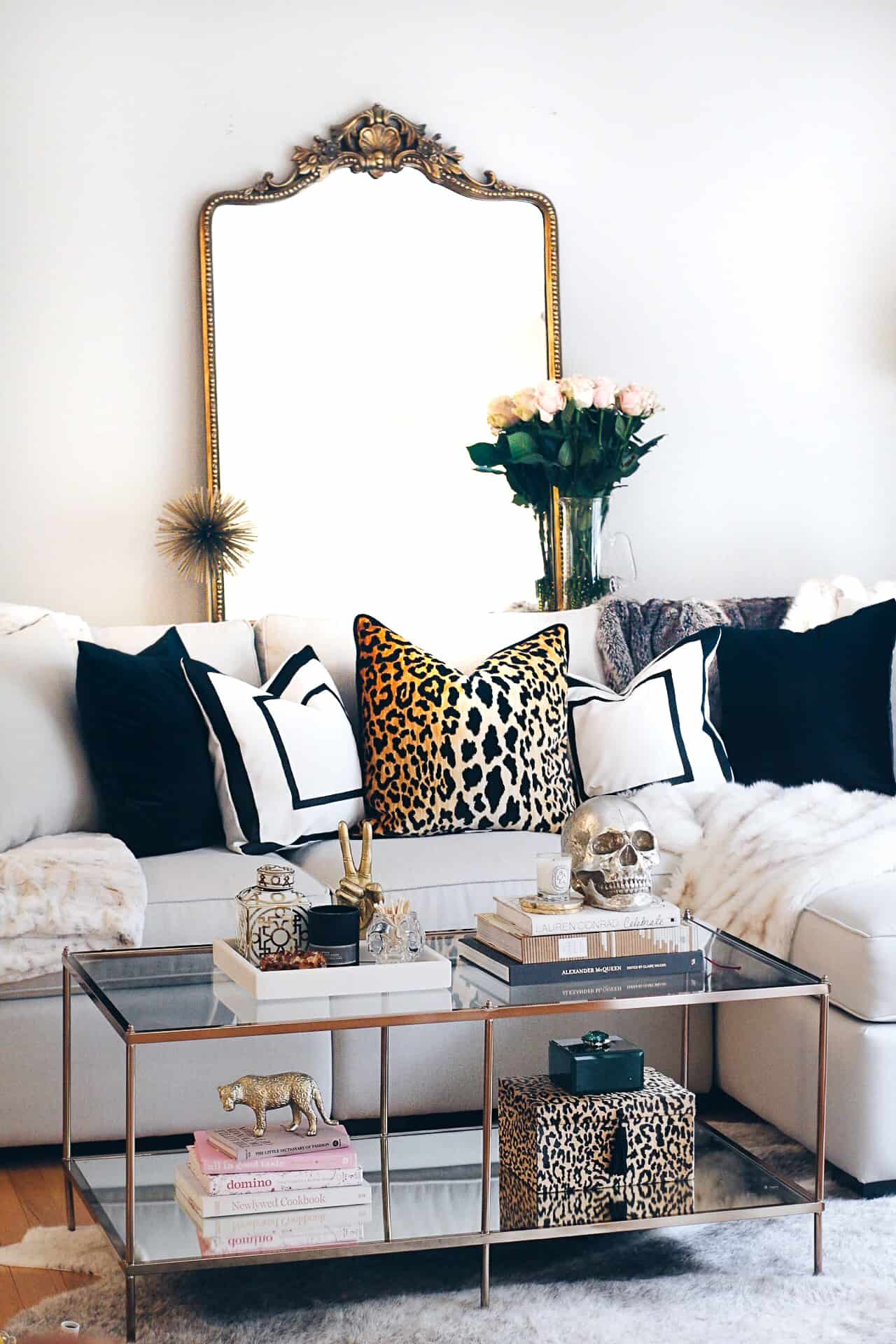 glam-living-room-accessories
