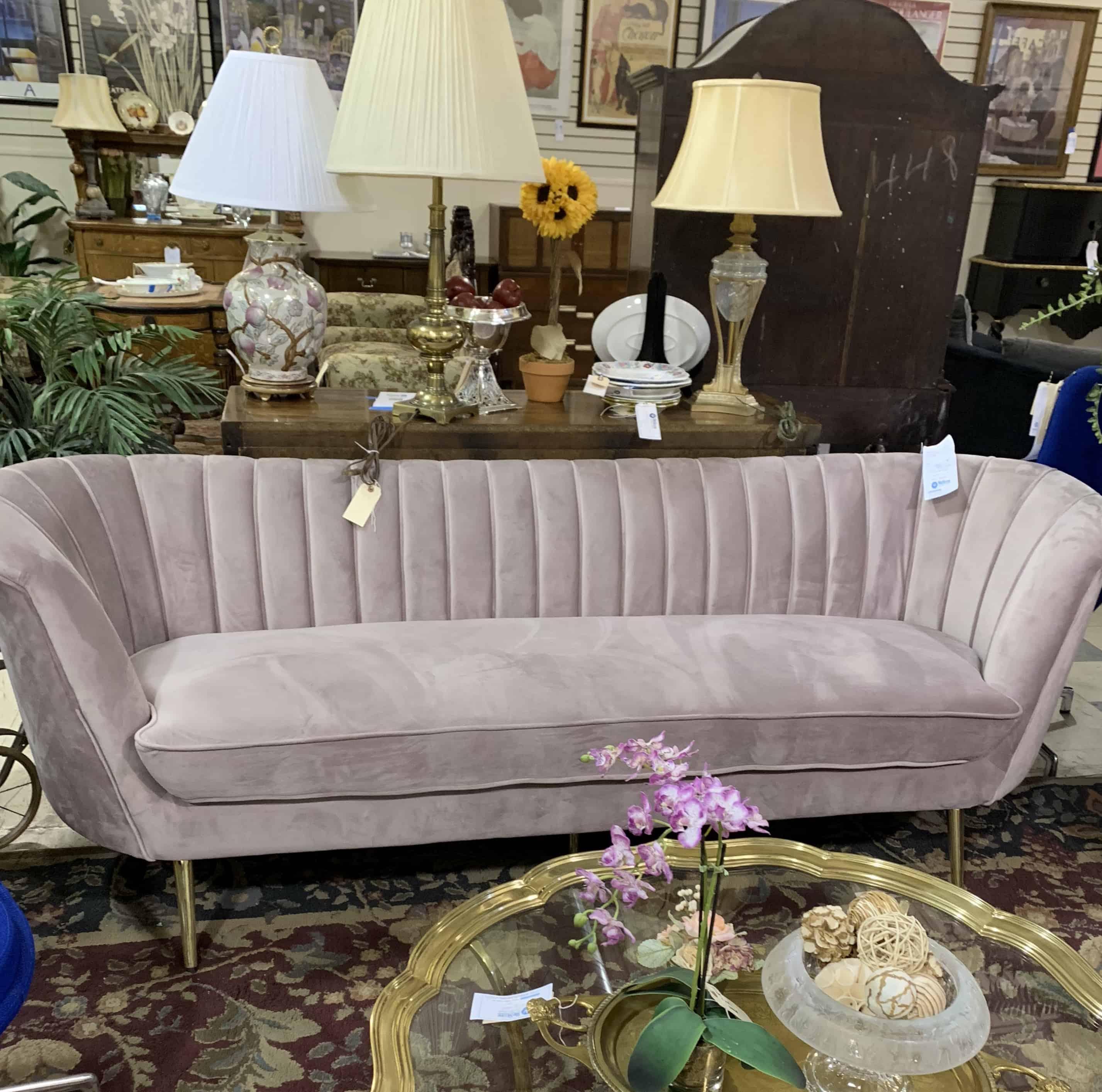 pink-velvet-sofa