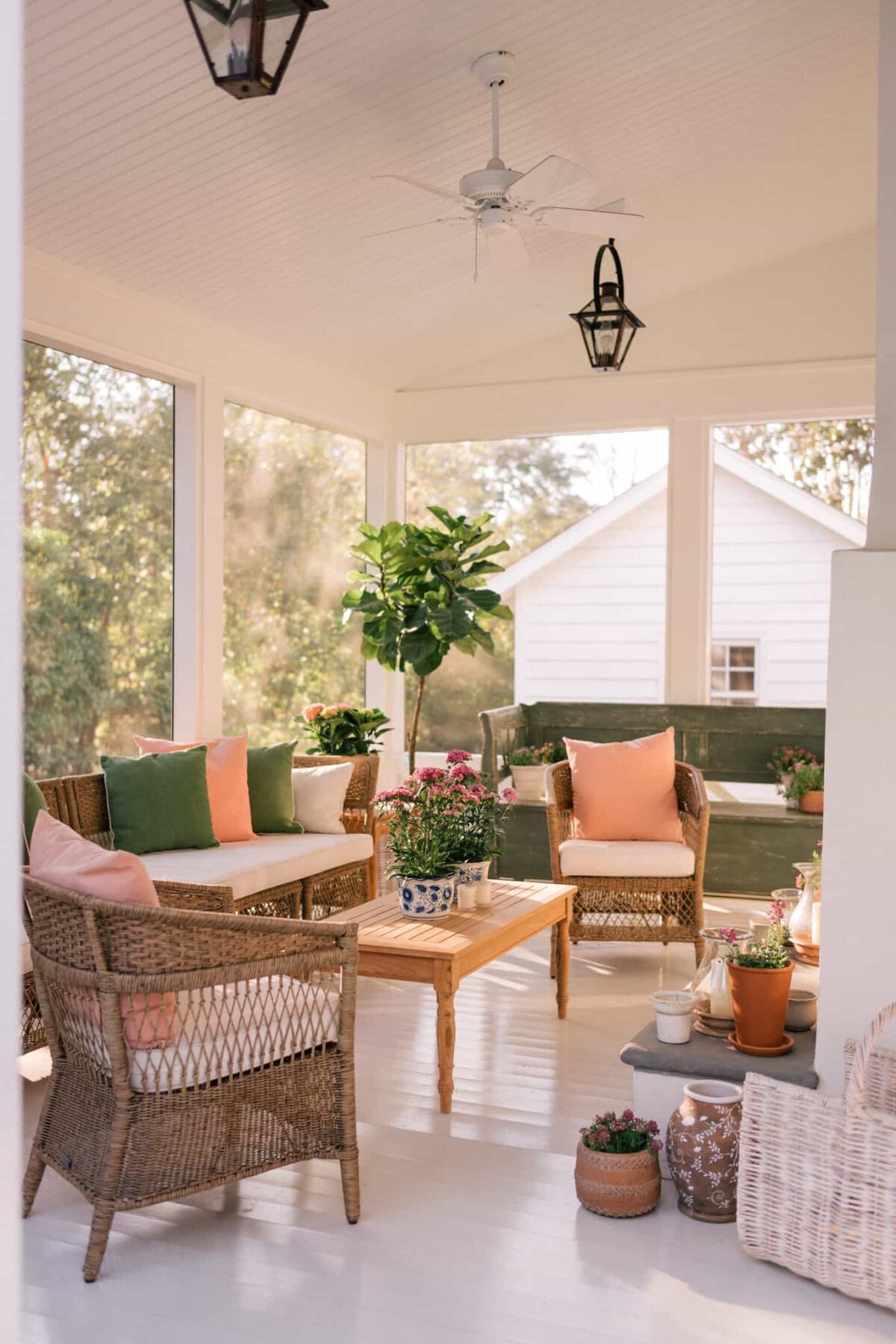 Decorating Outdoors with 2019 Summer Trends