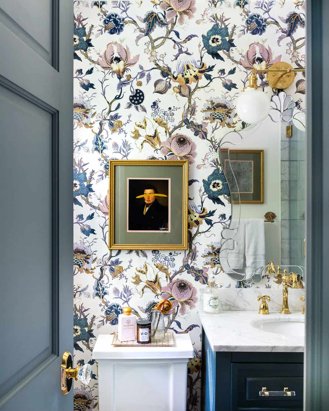 luxe-master-bathroom-makeover-wallpaper