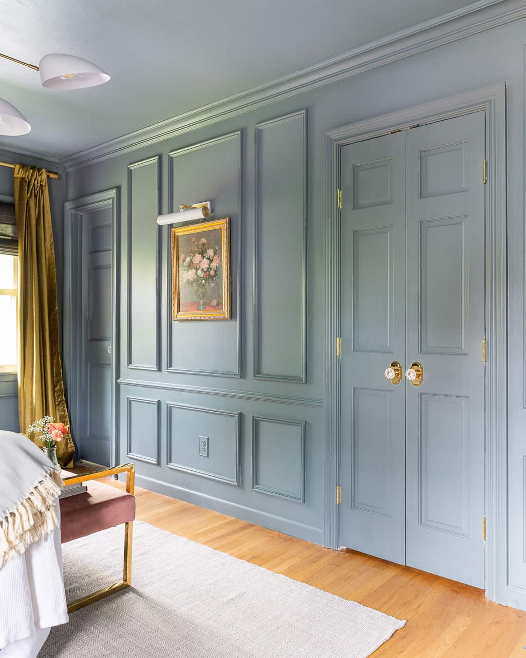 wall-molding-trim-metrie-blue-bedroom