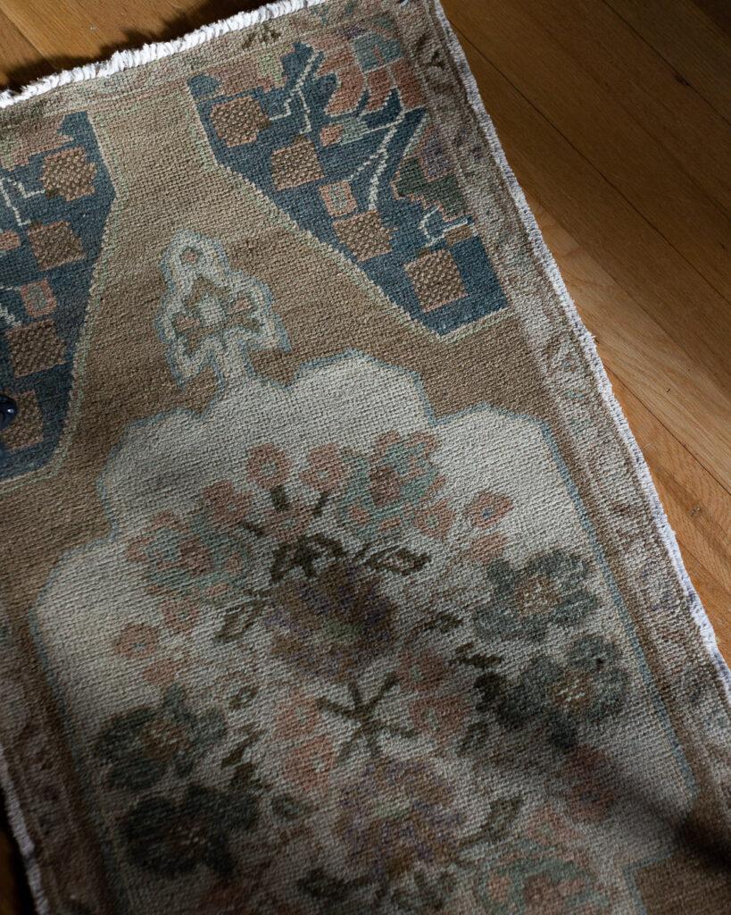 vintage-runner-rug-roundup