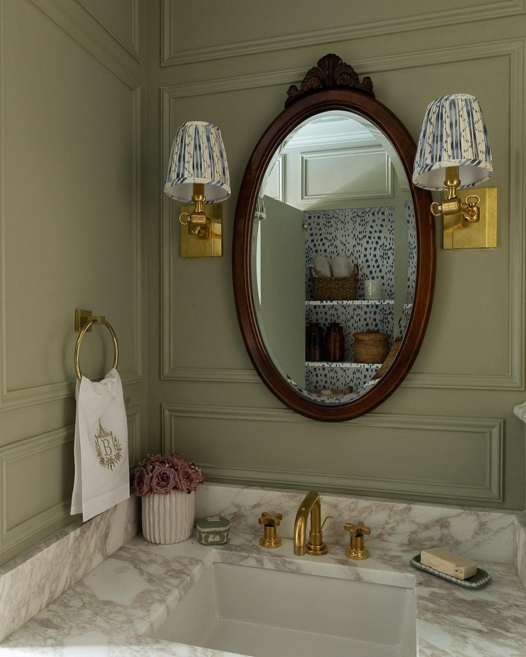 brunschwig-fils-les-touches-wallpaper-bathroom