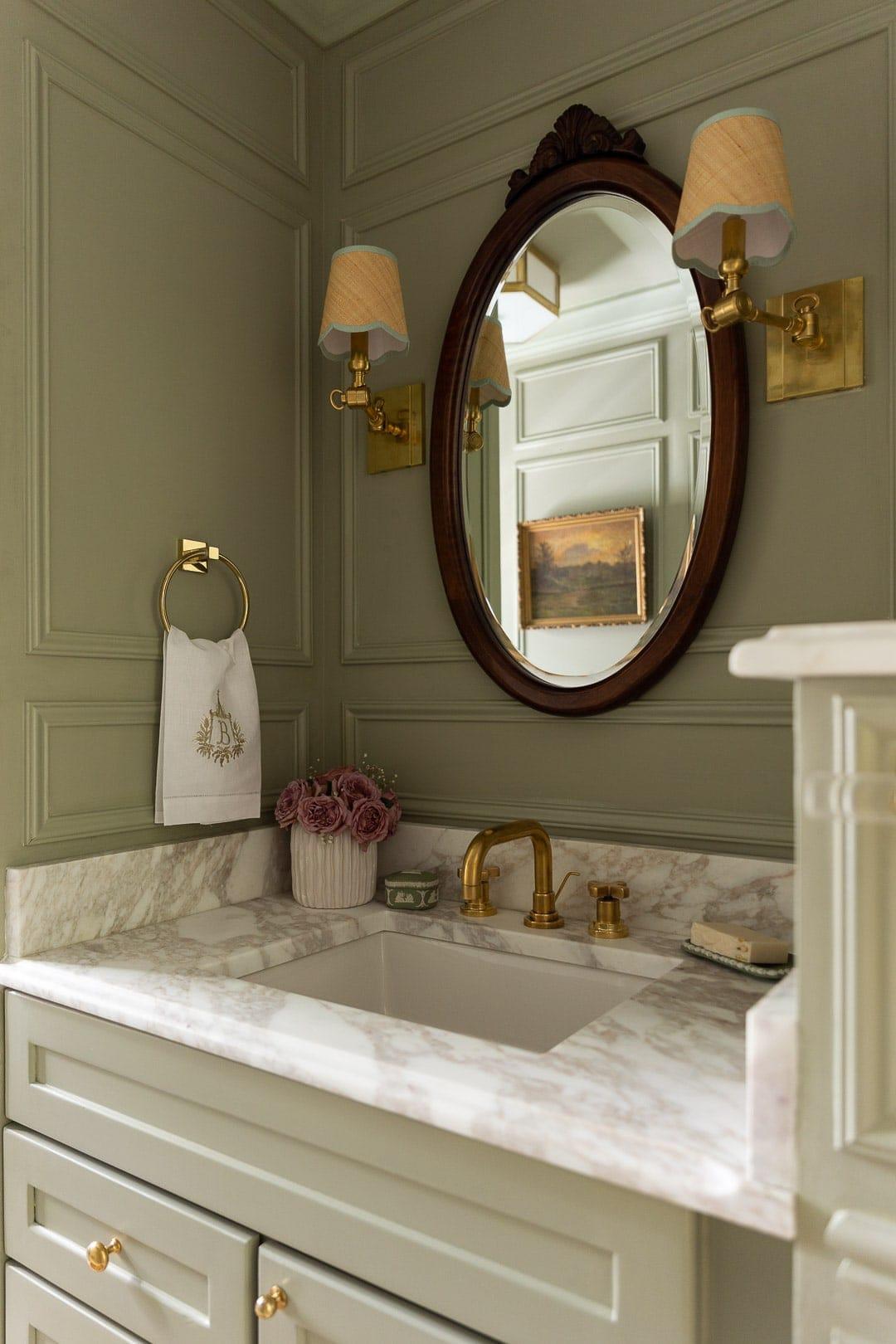 BATHROOM-DESIGN-LIGHTING-SCONCES-MARBLE-COUNTER