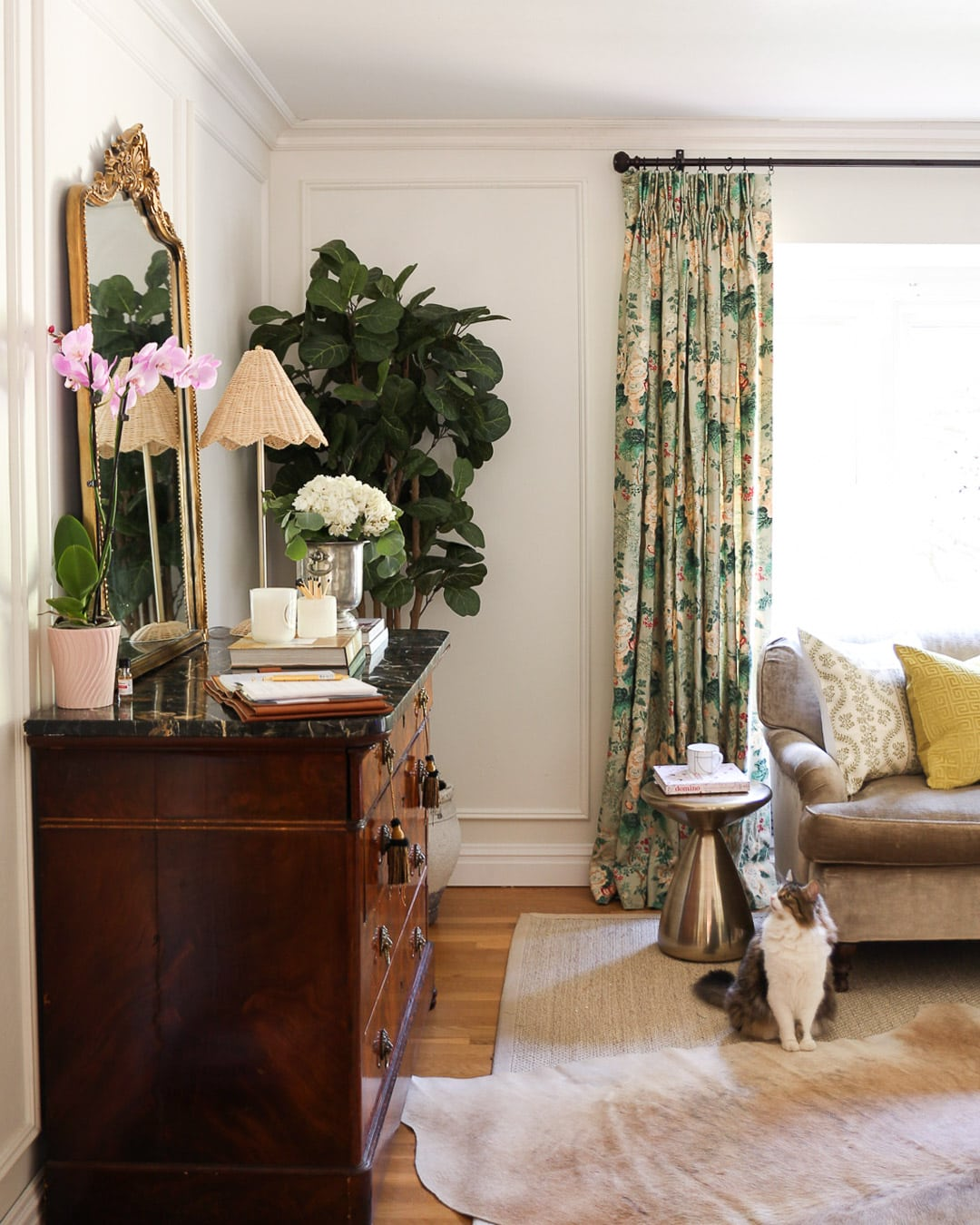 traditional-living-room-lee-jofa-curtains-drapes
