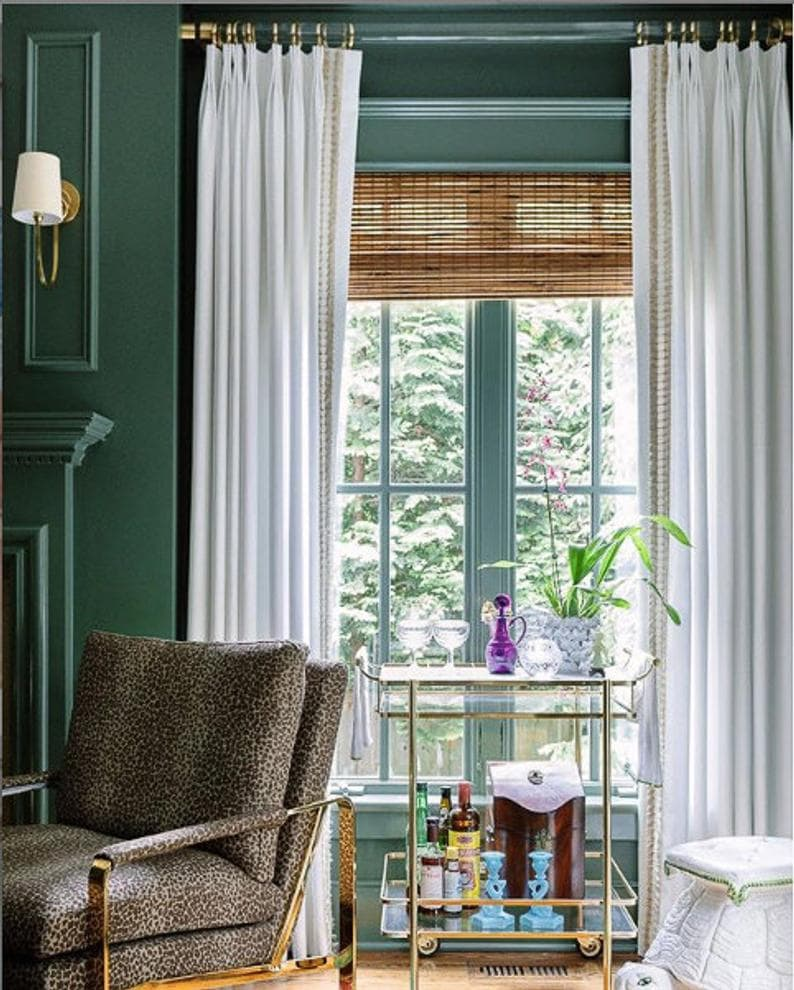 green-walls-lucite-curtain-rod