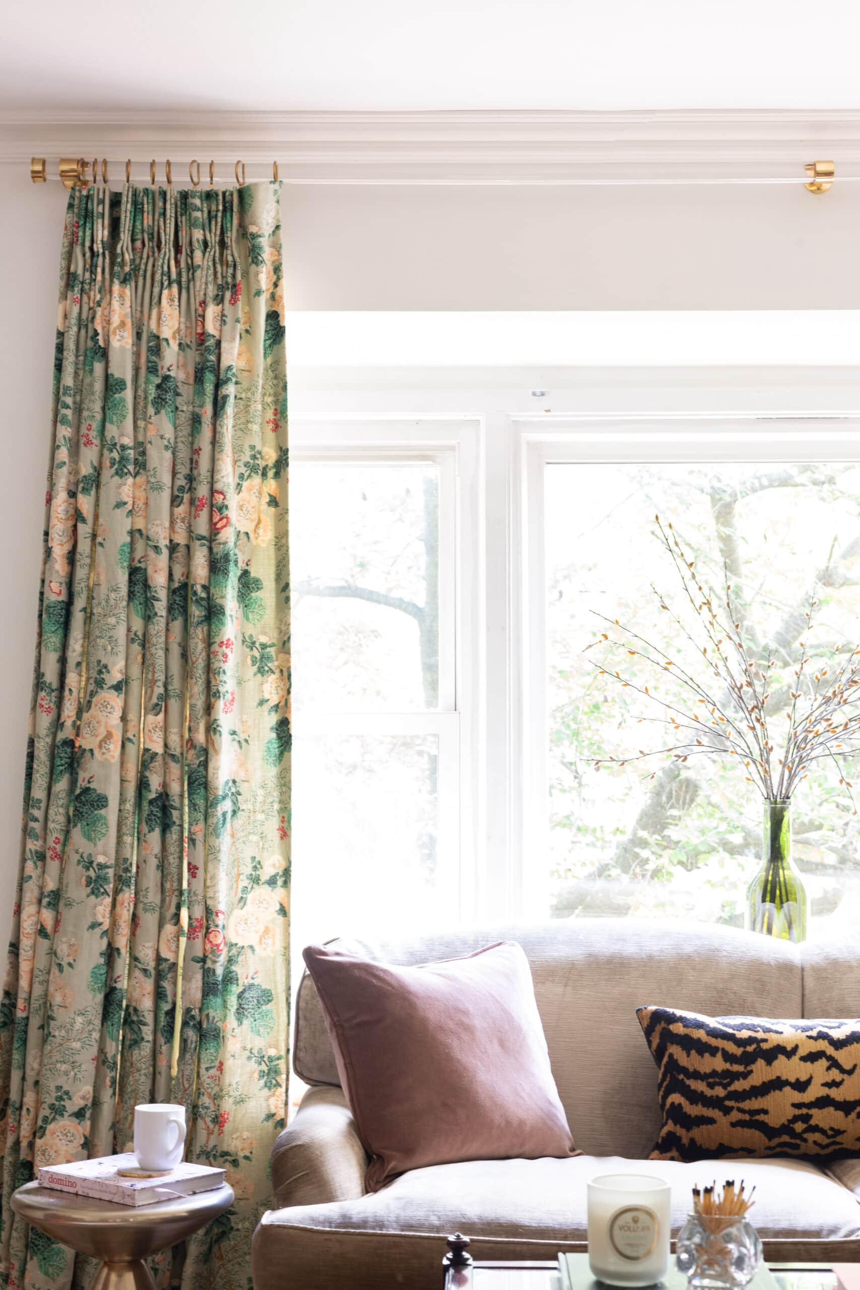 lucite-curtain-rod-custom-drapes-modern-traditional-living-room-white-walls