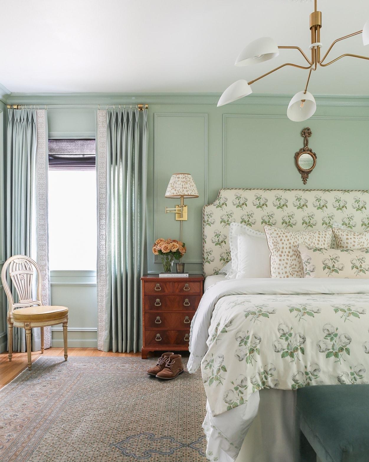 modern-traditional-bedroom