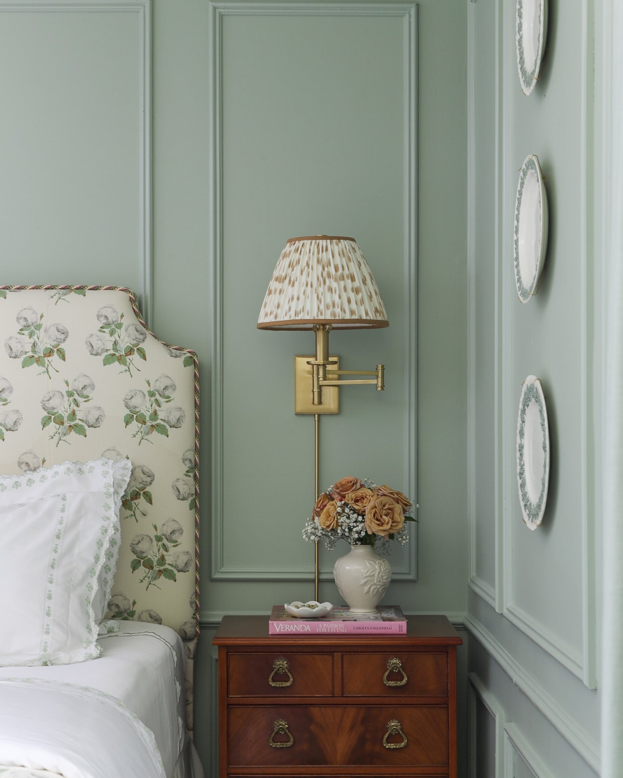 vintage-neoclassical-nightstand-les-touches-bowood