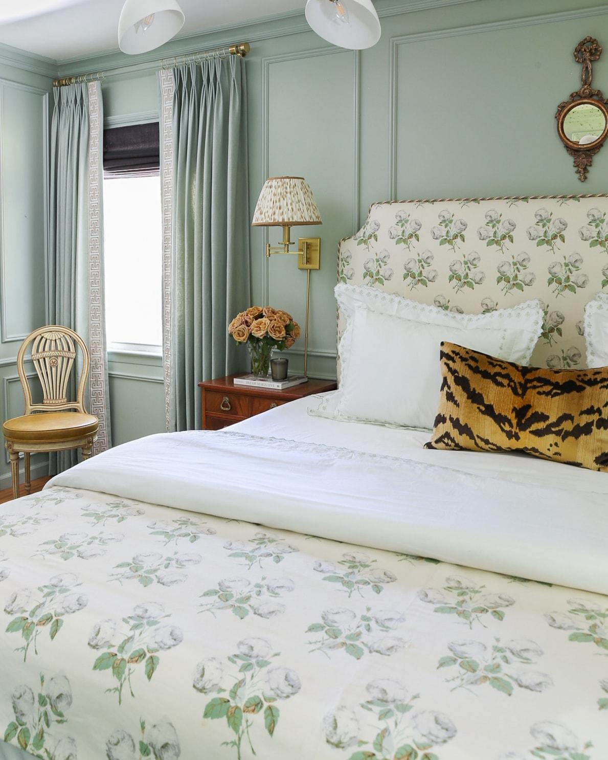 tiger-velvet-pillow-grandmillennial-bedroom-ideas