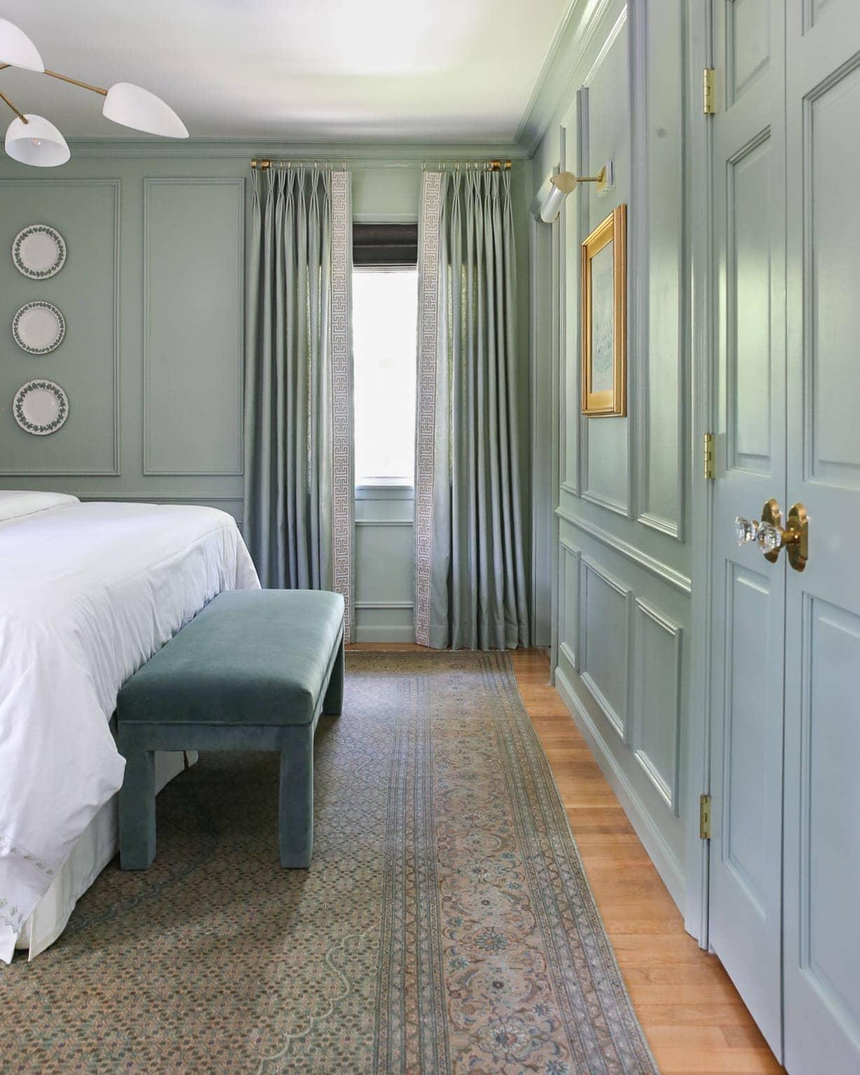green-blue-bedroom-classic-molding-design