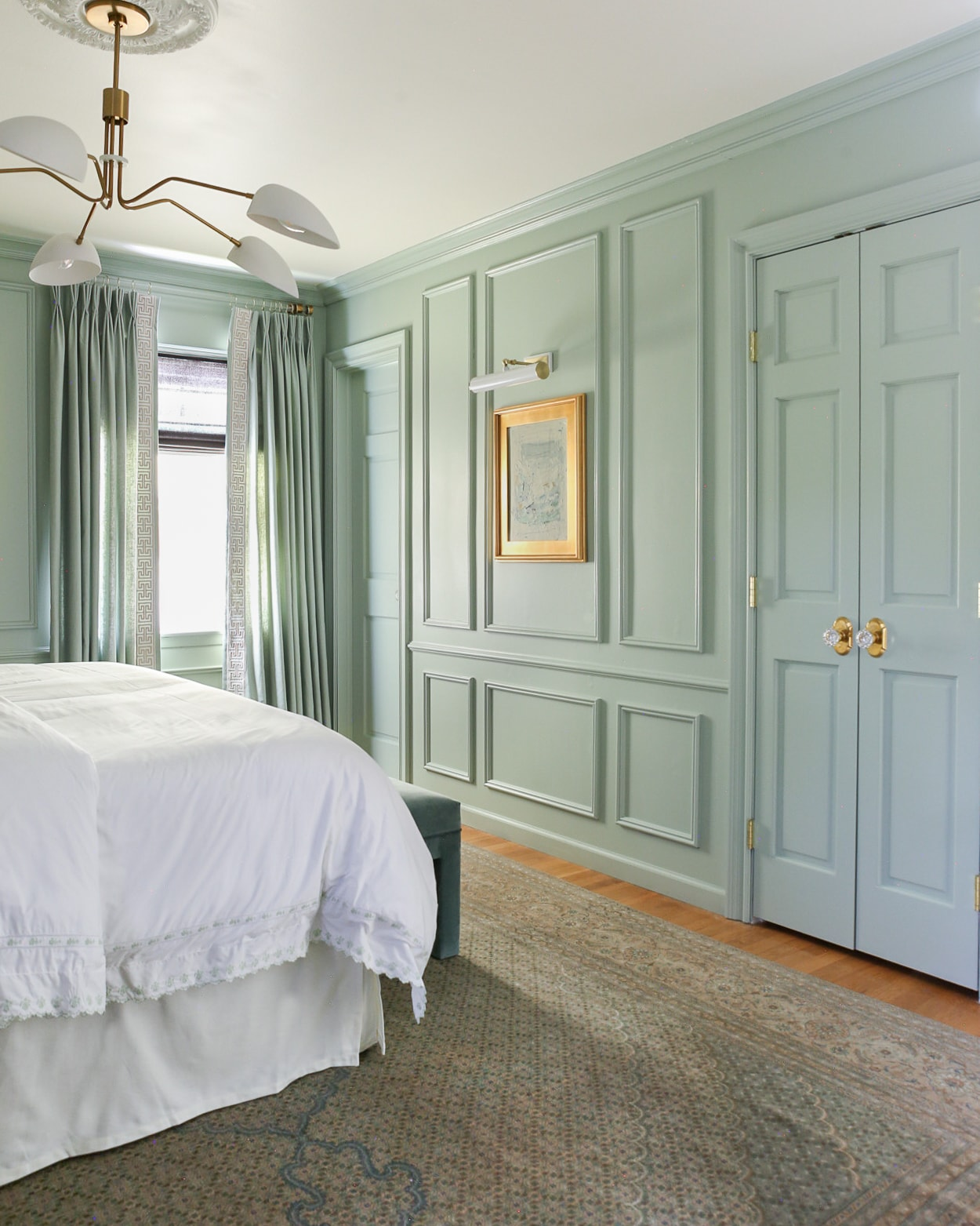 green-blue-walls-benjamin-moore