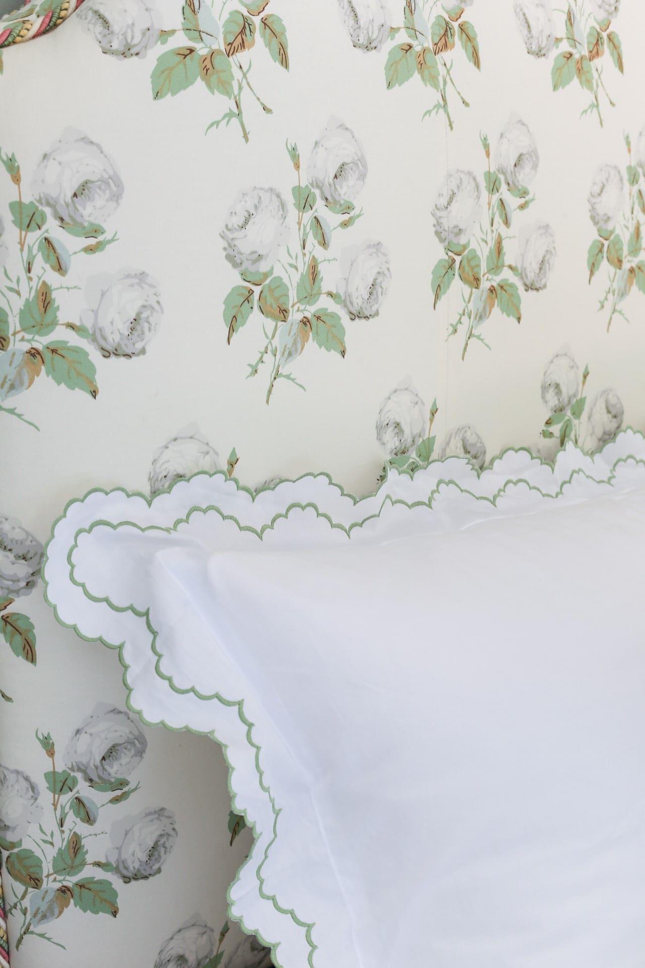scallop-pillow-bedding