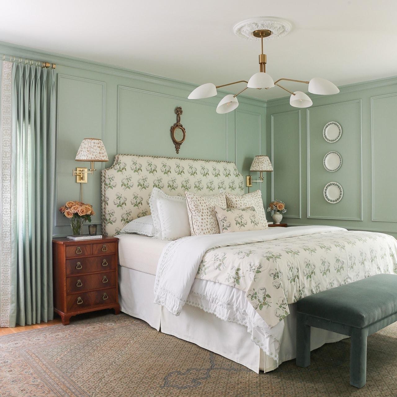 grandmillennial-style-bedroom