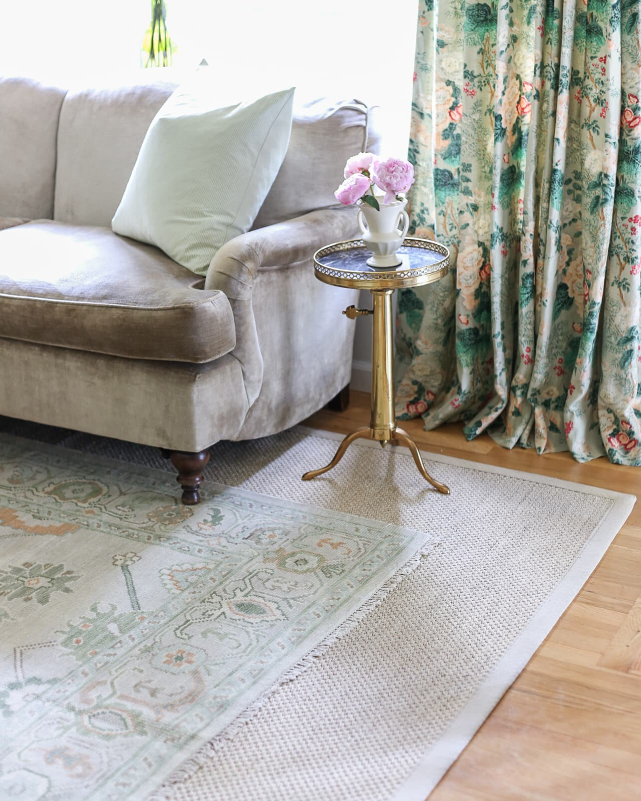 english-roll-arm-sofa-turkish-oushak-rug
