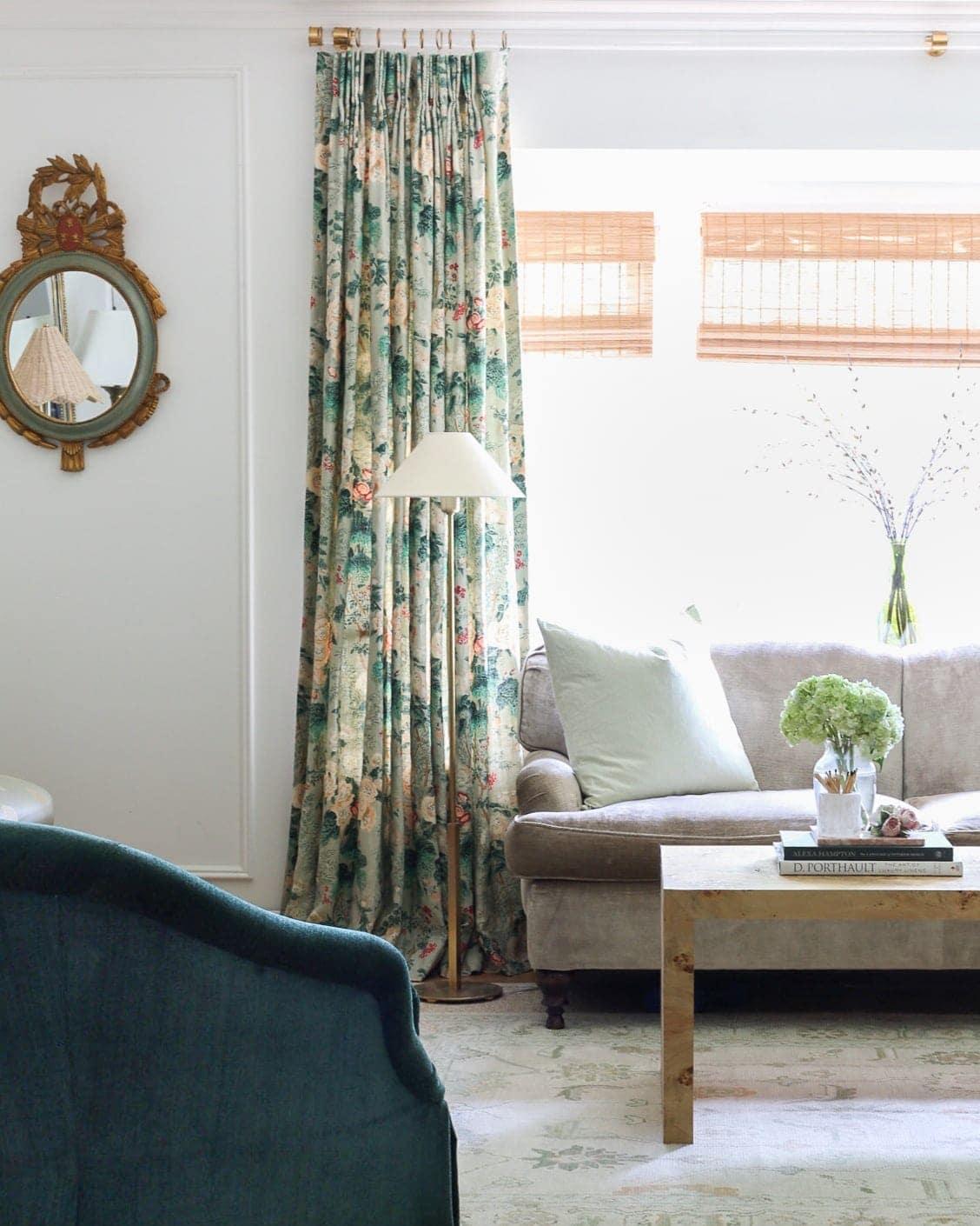 custom-drapes-living-room-design